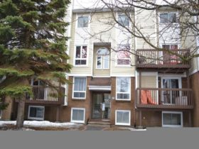 2 Bedroom Single_Family_Property For Rent in 120 FENERTY COURT UNIT#6, Ottawa, Ontario K2L3A7